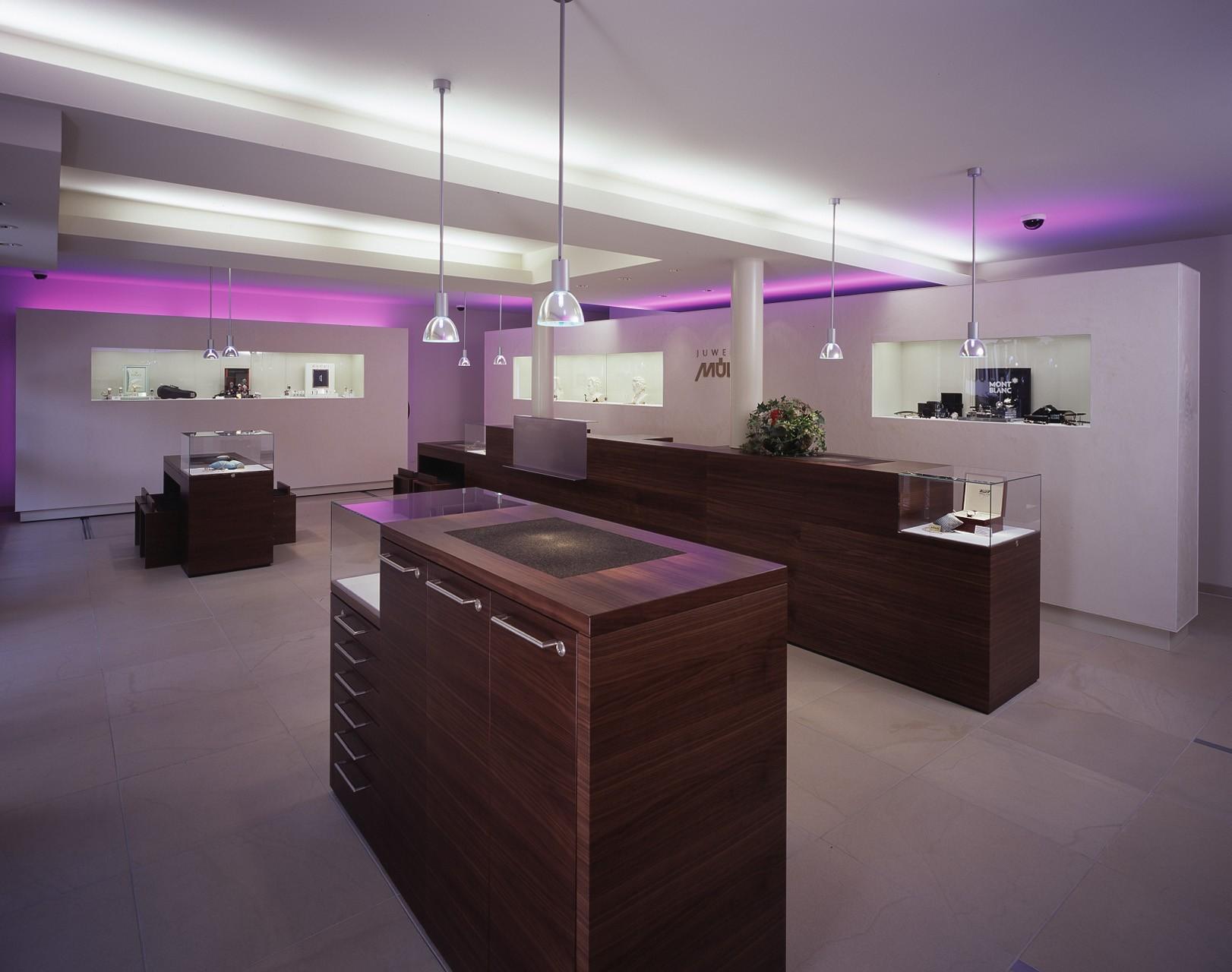 architektur-plus-raum-juwelier-mueller-10_Katego-header-3